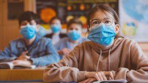 Septante médecins flamands demandent l'abolition du masque dans les écoles – RTBF.BE