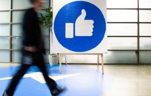 Facebook poursuivi aux États-Unis pour abus de position dominante – Le Devoir