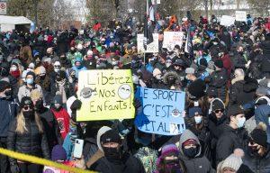 Imposante foule à Québec pour la reprise des sports organisés – LE DEVOIR